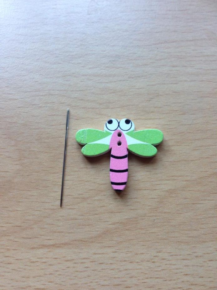 Dragonfly - wooden - Imperfect wing